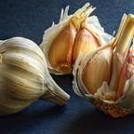 Чесночный соус – рецепт в двух вариантах